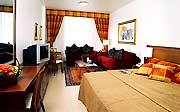 Golden Sands Hotel Apartments room
